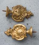 Zwei alte Zieraufsätze