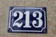 Alte Emaille-Hausnummer 213,  dunkelblau/ weiße Zahl, gewölbt, 14 x 10 cm