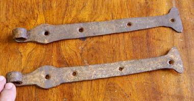 Kurze Türbänder mit Rostpatina, 27 cm