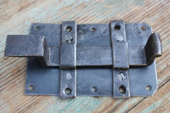1 Paar alte, kurze Türbänder, 41 cm