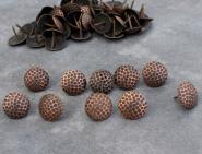 Polsternägel mit Netzprägung aus Kupfer