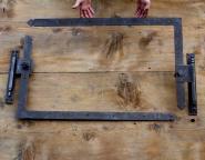 Winkelbänder um 1900 für links angeschlagene Haustür, 95,5 cm lang