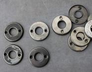 Einfache Blechrosetten mit einem inneren Durchmesser von 16 mm