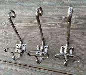 Alte Garderobenhaken aus vernickeltem Eisen