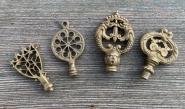Vier alte Schlüsselreiden, um 1900
