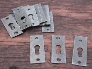 Alte, schlichte Schlüsselschilder