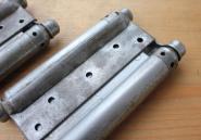 Paar Pendeltürbänder um 1900, Türstärke 32 mm