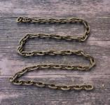 Rostige Eisenkette mit kleinen Gliedern, 145cm