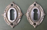Paar vernickelte  Schlüsselrosetten der Gründerzeit