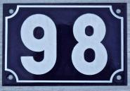 Alte Hausnummer aus Emaille, 15 cm x 10 cm