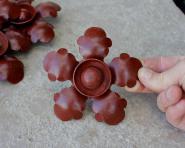 Alte, nie montierte Eisenblüten