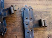 Kleine, alte Winkelbänder
