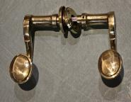 Alte Posthorndrücker mit Drückerrosette