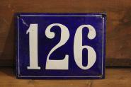 Alte Emaille-Hausnummer, gewölbt, 20 cm x 15 cm
