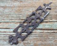 Großes barockes Schlüsselschild, ziseliert, durchbrochen