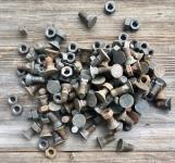 85 kleine, dicke Schrauben mit Kegelkopf, ohne Schlitz, M12