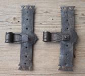 Zwei alte Kreuzbänder