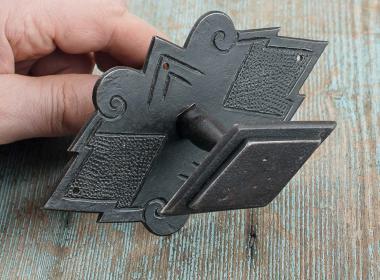 Eisenknauf für eine Biedermeierhaustüre