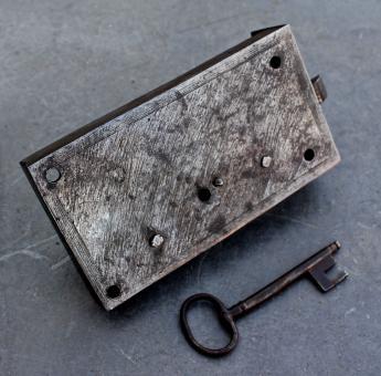 Biedermeier Möbel-Schloss mit Schlüssel