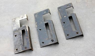 Schließbleche für links angeschlagene Türen