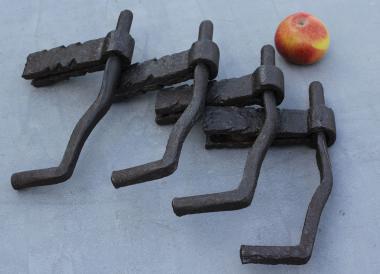 1 Paar große alte Eisenkloben