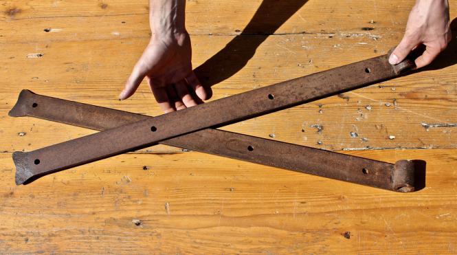 Starke Türbänder aus dem 19. Jahrhundert, 82 cm
