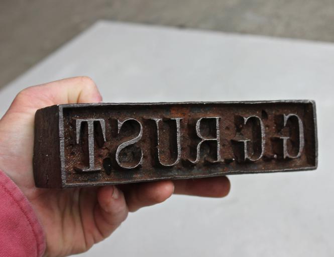 """Alter Brandstempel """"G.G.Rust"""" aus Eisen"""