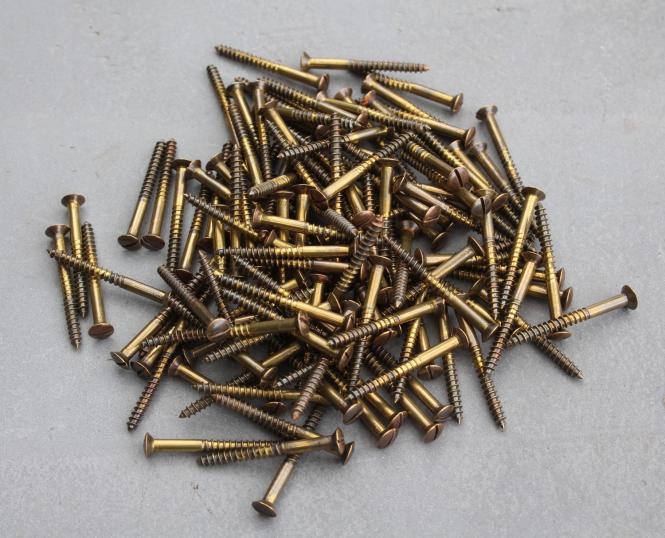 Alte Linsenkopfschrauben, 45mm