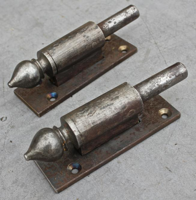 Große Plattenkloben mit Zierköpfchen, Dorndurchmesser 18 mm