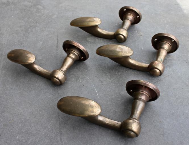 Einzelne Posthorn-Drücker, für links angeschlagene Türen