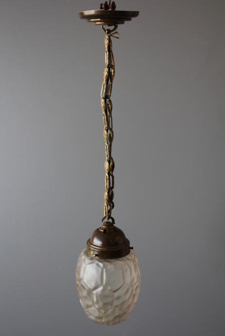 Kleine Jugendstil-Deckenlampe mit Kette und Baldachin