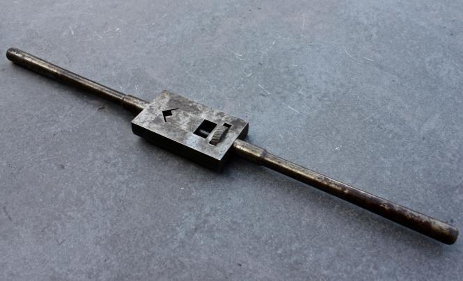 Alter Schneideisenhalter aus Stahl