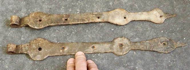 Langbänder mit alter Bemalung, 40 cm